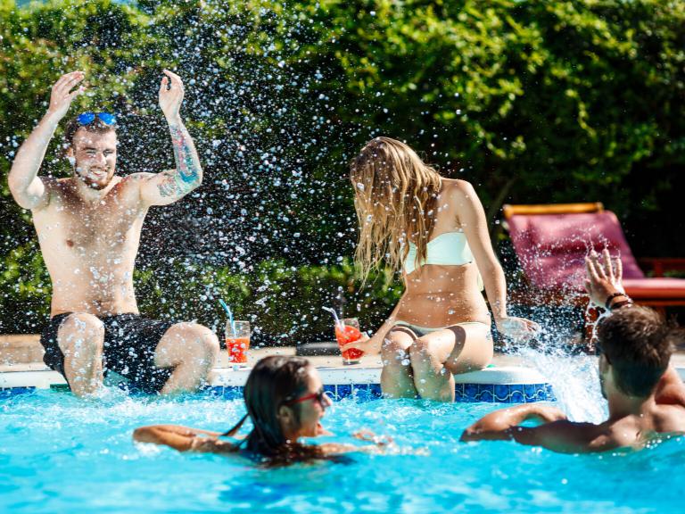 Comunidades de vecinos: La piscina comunitaria